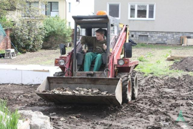 úprava terénu na zahradě